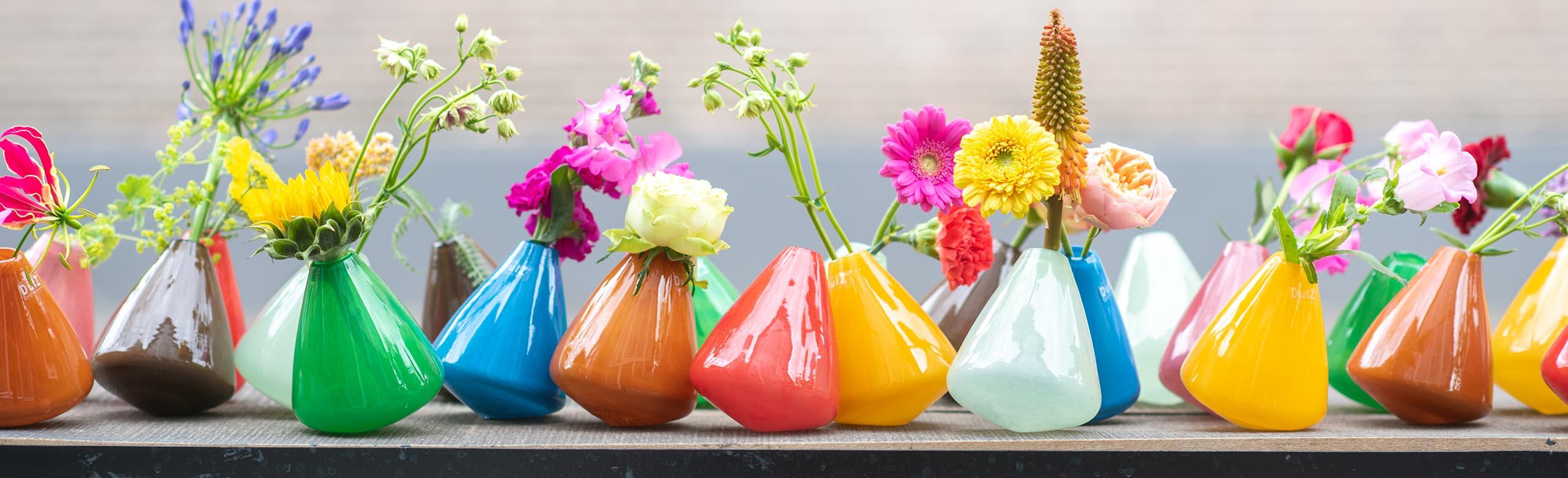 DutZ tumbling vases