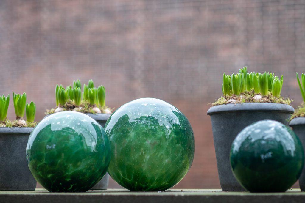 DutZ_gardenballs_darkgreen