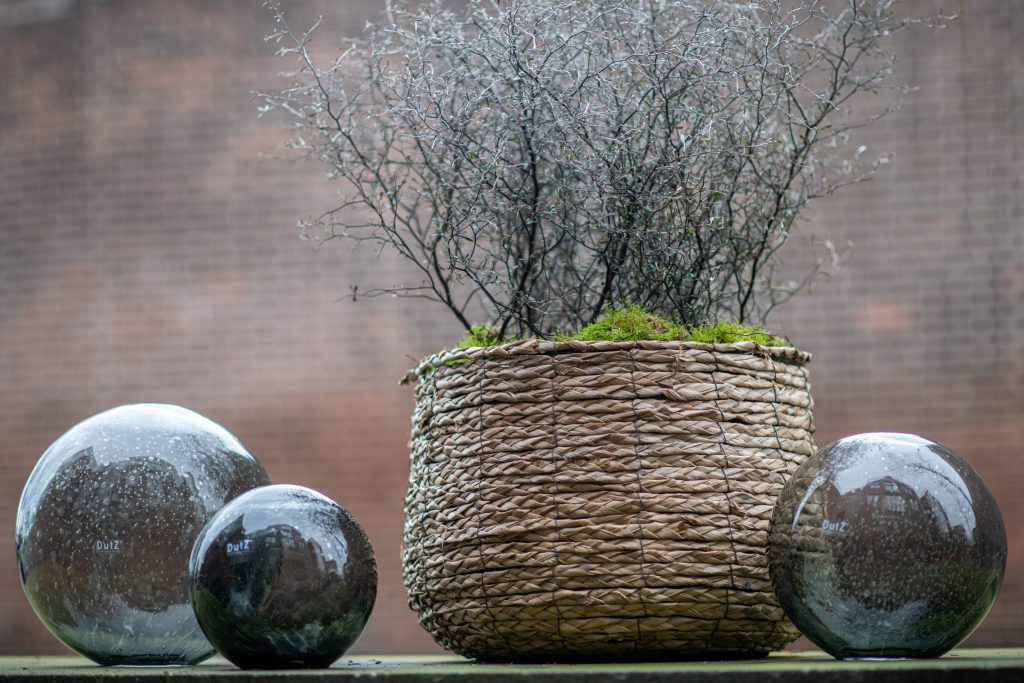 DutZ_gardenballs_grey