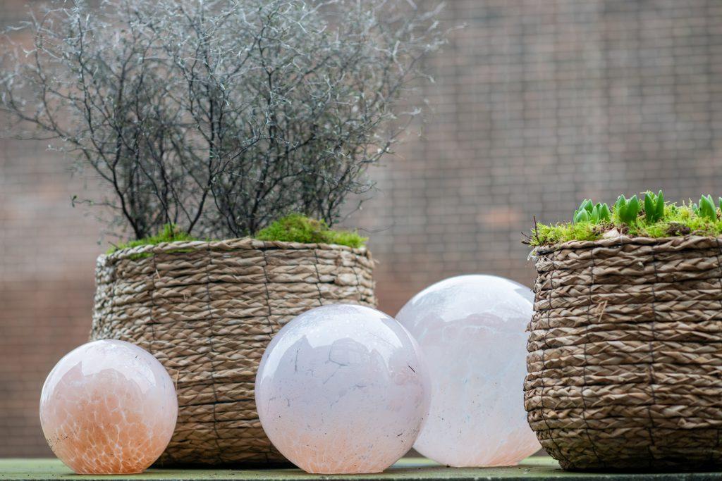 DutZ_gardenballs_oldrose_1
