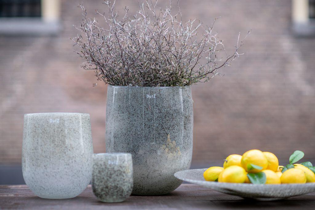 Barrels in 3 maten en plate met citroenen in de kleur new grey